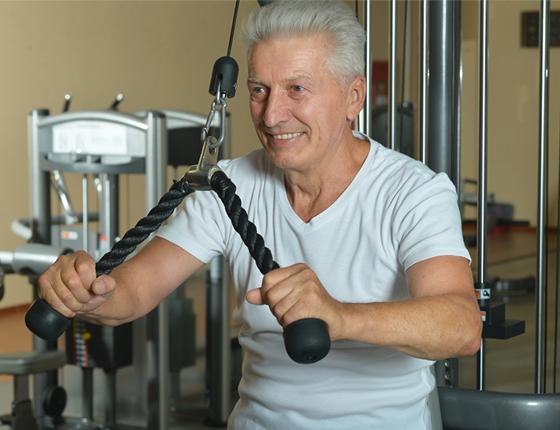 Resultado de imagem para musculação idoso